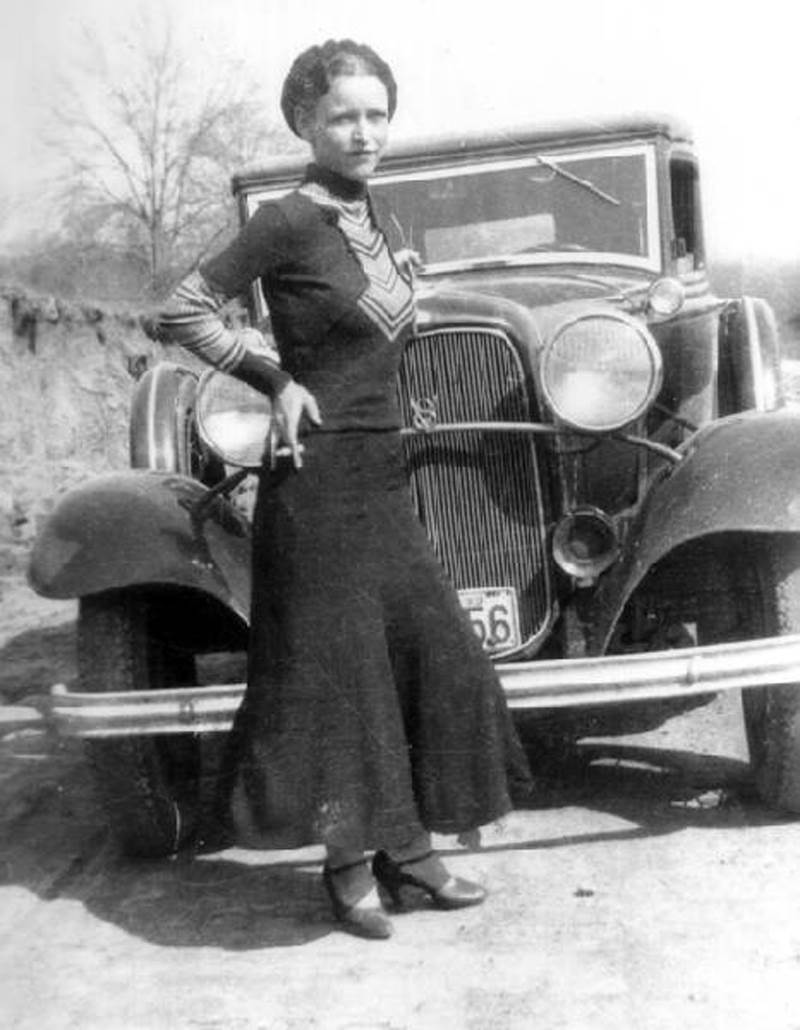 Infamous Female Criminals Bonnie Parker