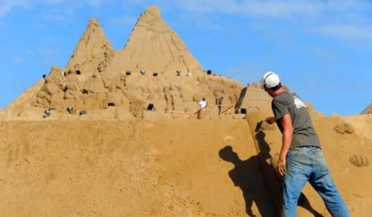 Hummingbird Sand Sculpture