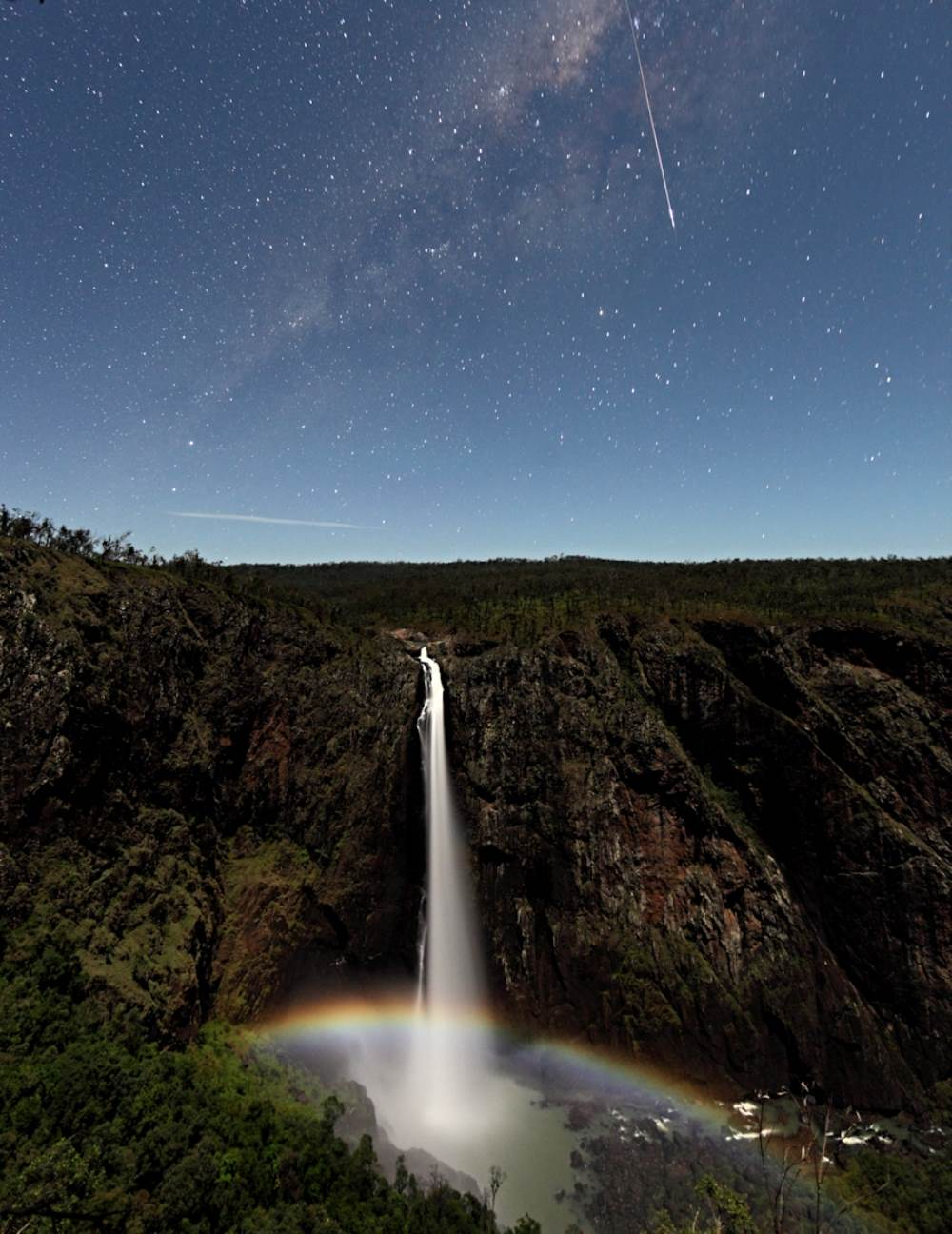 Meteor Over Wallaman Falls