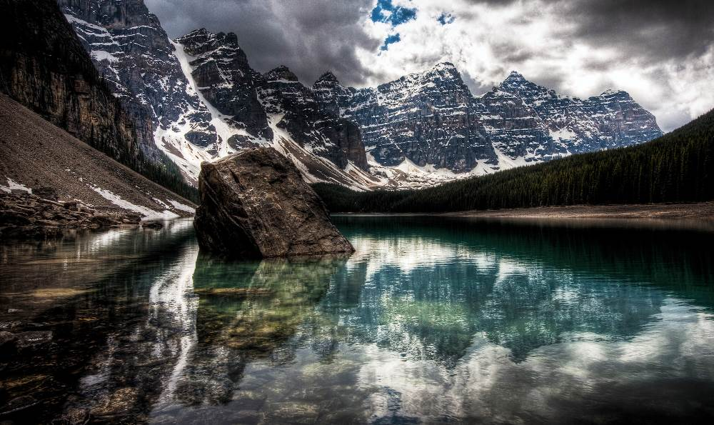 Moraine Lake Canada Photo