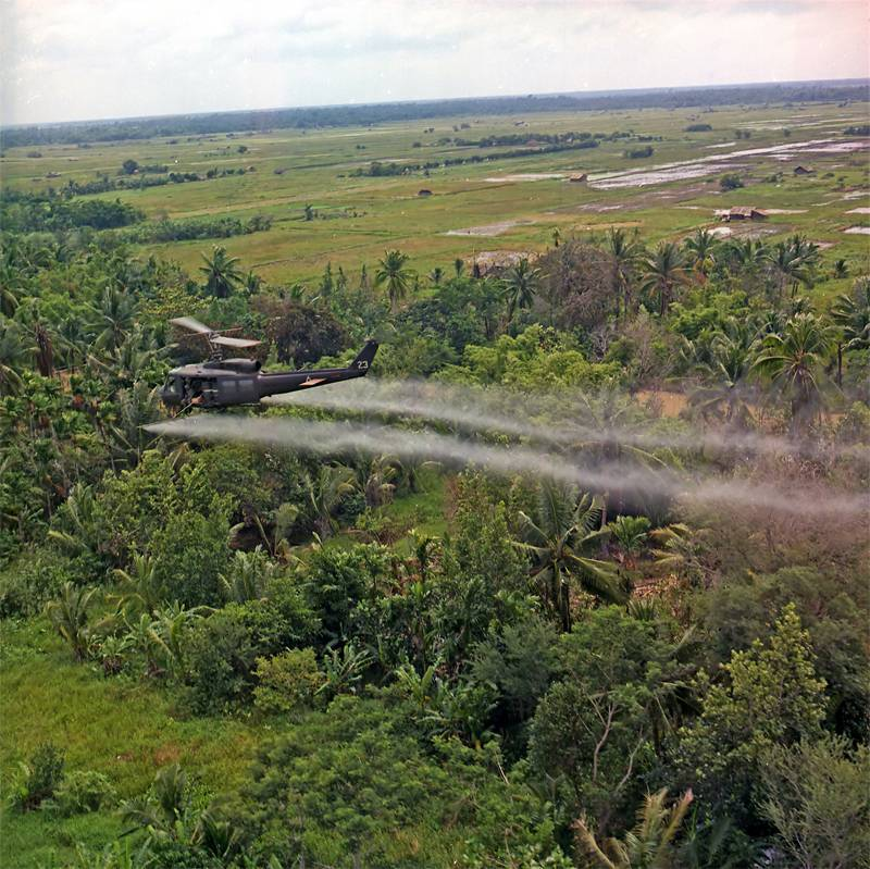 Vietnam War In Pictures Defoliants