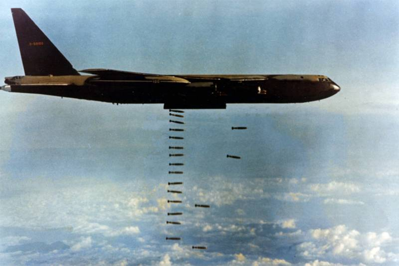 Photo History Of The Vietnam War Dropping Bombs