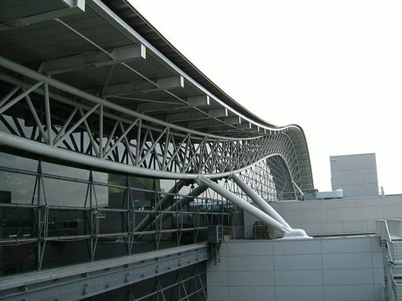 Renzo Piano Designs Kansai International Airport