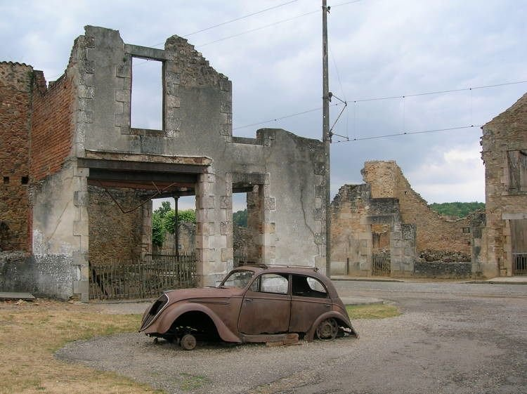 mystifying ghost towns oradour 1