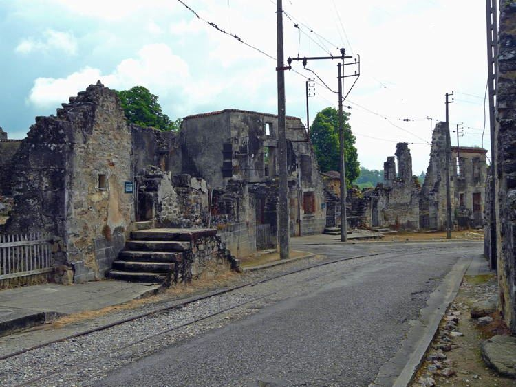 mystifying ghost towns oradour 4