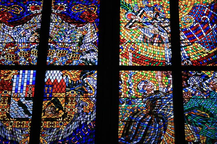 Magnificent Stained Glass St Vitus 4