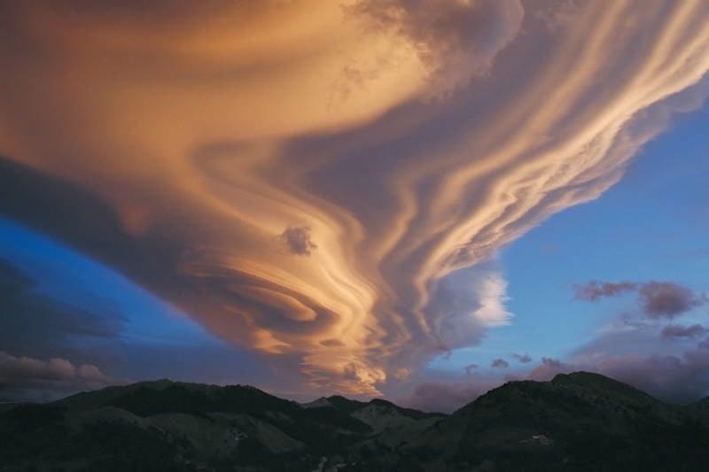 Bizarre Natural Phenomena Nacreous Cloud 4