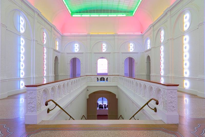 Fascinating Light Art Flavin 3