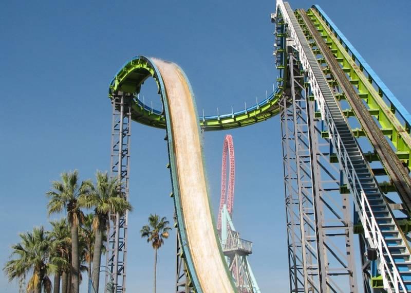 Four Dangerous Theme Park Rides Plunge
