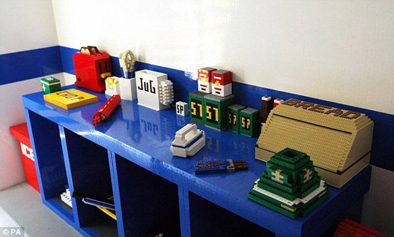 Lego Art House