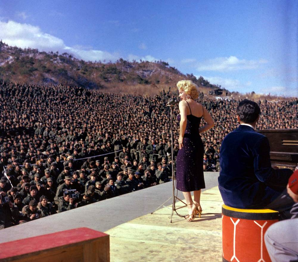 marilyn monroe korea 1954 Marilyn Monroe Visits Korea