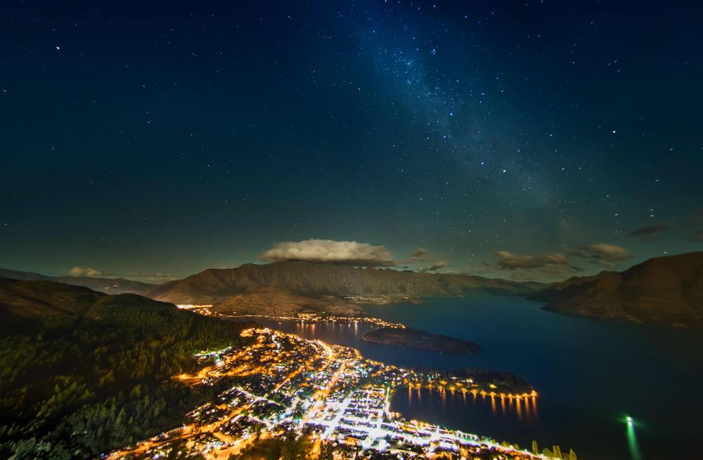 stars over queenstown new zealand Stars Shine Over Queenstown, New Zealand