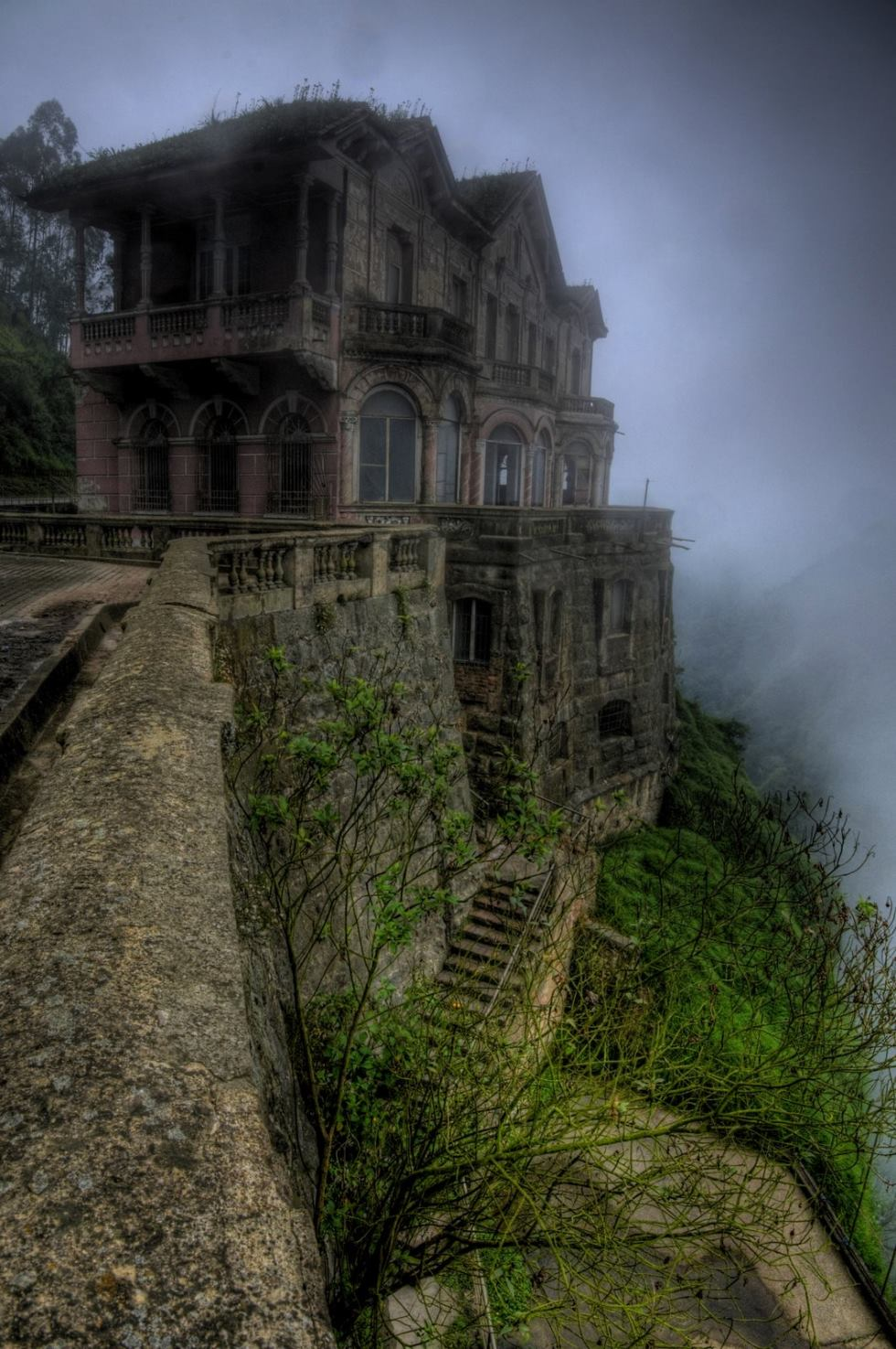 Colombia's Haunted Hotel Del Salto