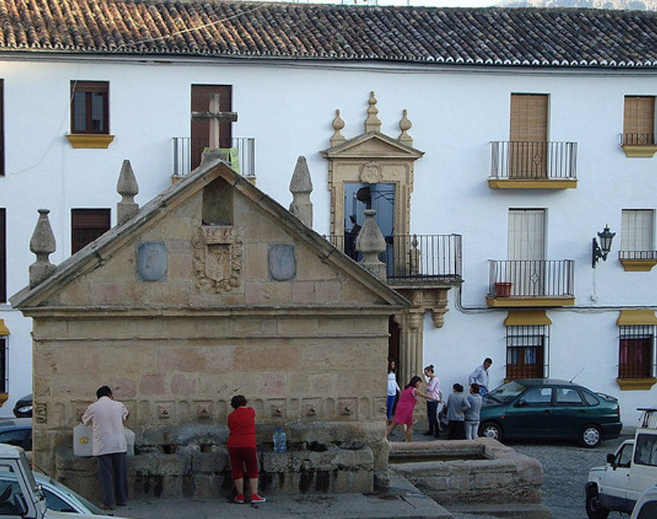 Pueblos Blancos Eight Spout