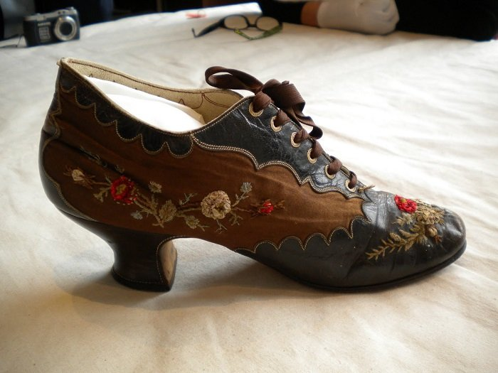 Th Century Women S Shoes