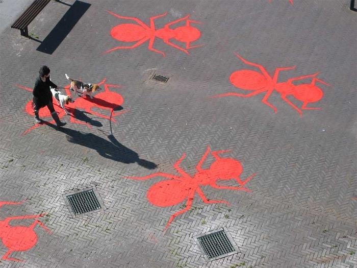 Public Art Henk Invasion of Ants