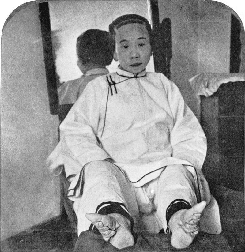Women's Fashions Lotus Shoe Girl