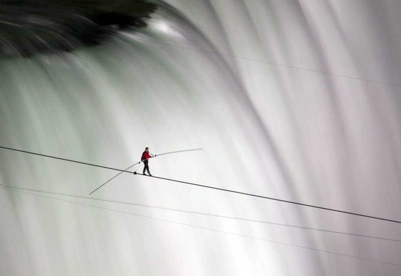 Nik Wallenda Pictures