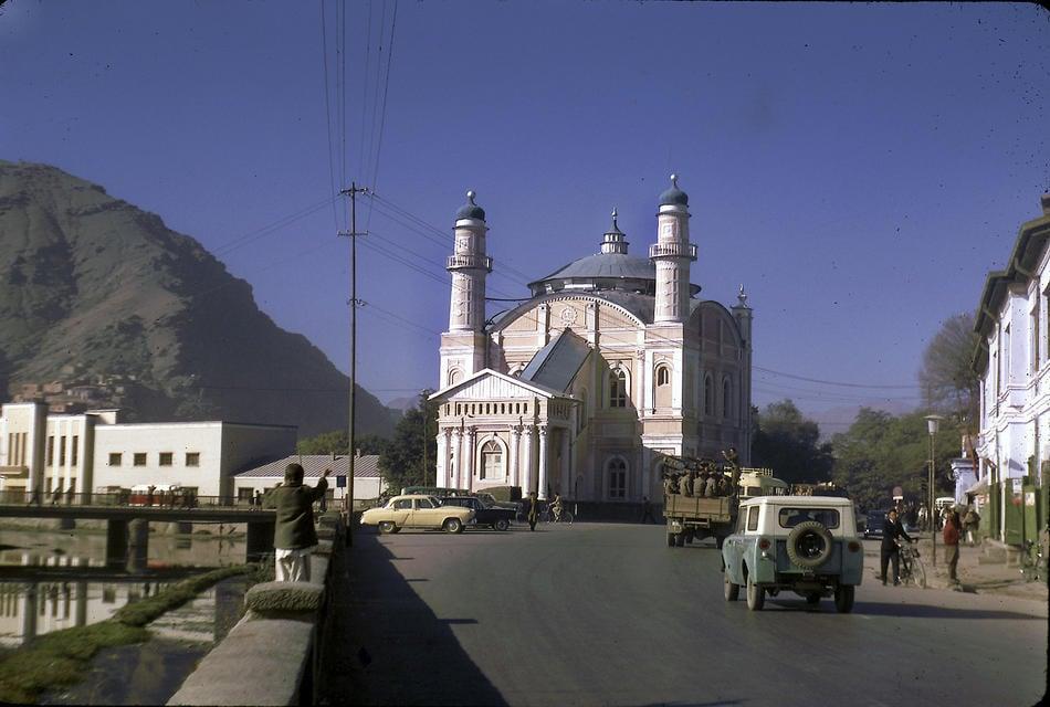 Shah-Do Shamshira Mosque