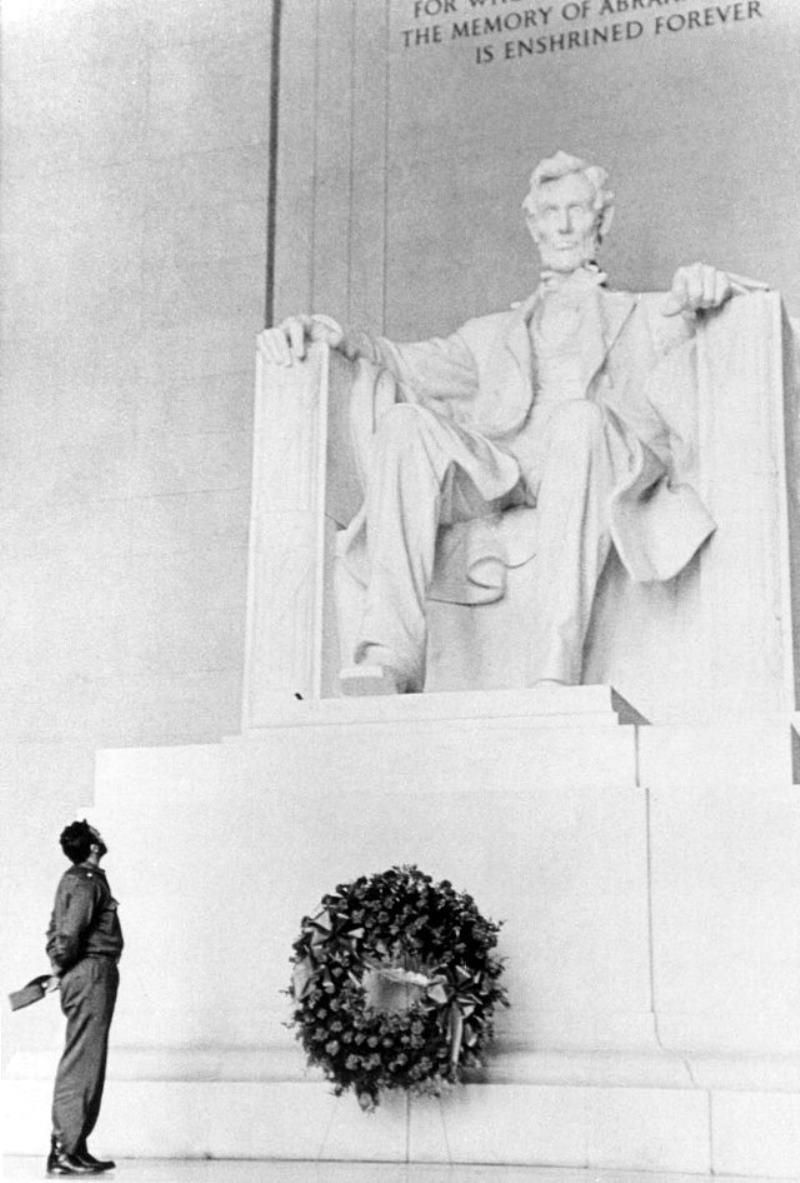 Fidel Castro Lincoln Memorial 1959