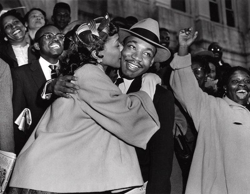 Grounding Idols MLK Kiss