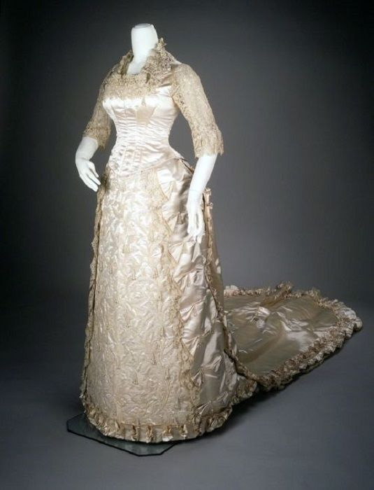 History Of Wedding Gowns 1880