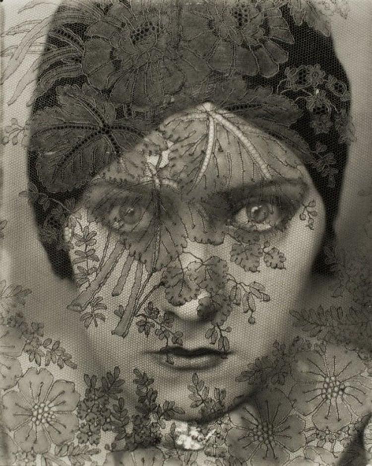 Underrated Iconic Photos Gloria Swanson