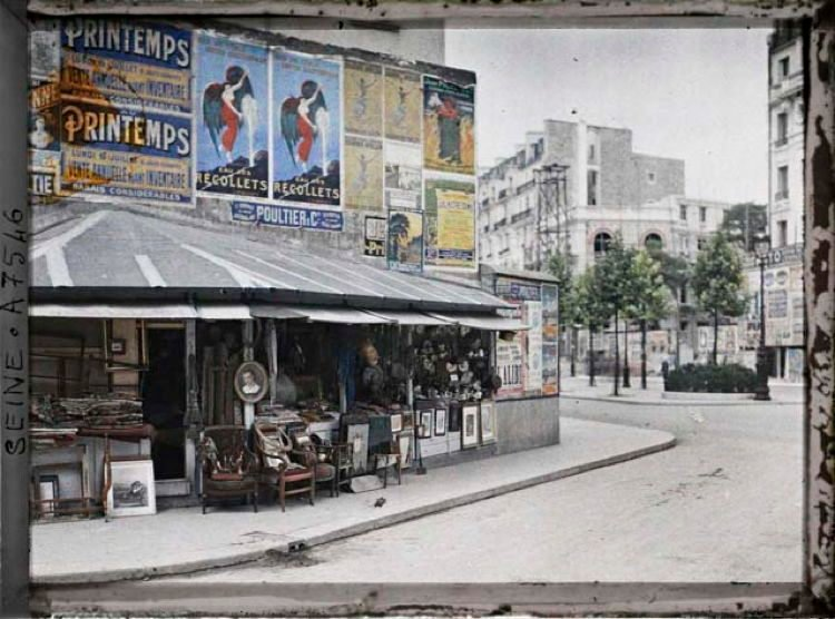 Early 20th Century Paris Angle Boulevard