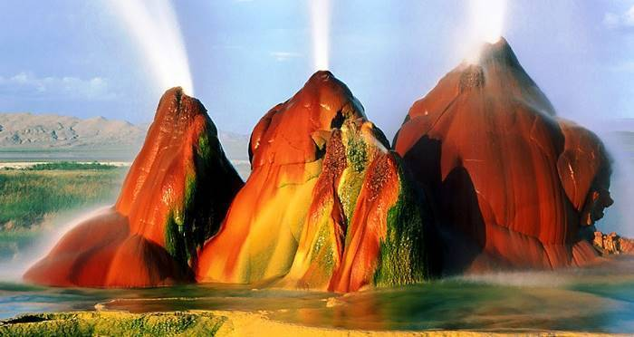 Fly Geyser, Nevada's Coolest (And Least Known) Attraction