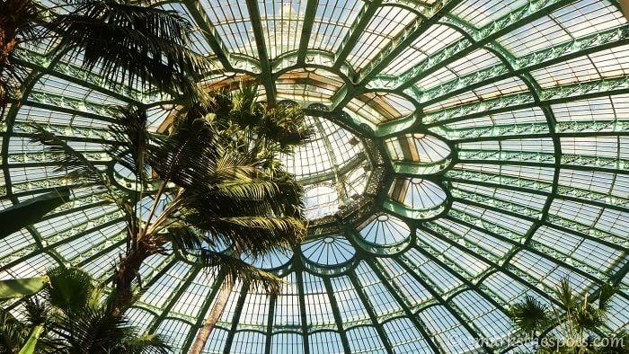 Laeken Overhead Window