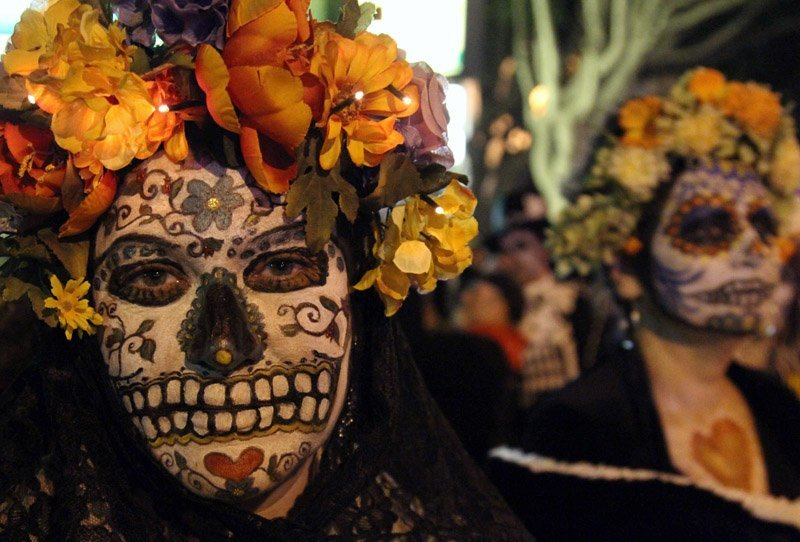 Bizarre Parades Day Of Dead