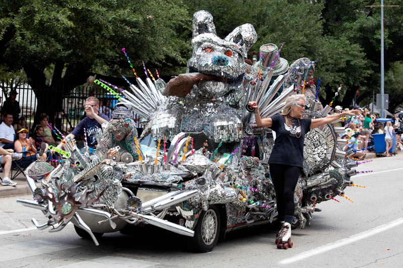 Cavalcade Of Customs >> 10 Of The World's Most Bizarre Parades
