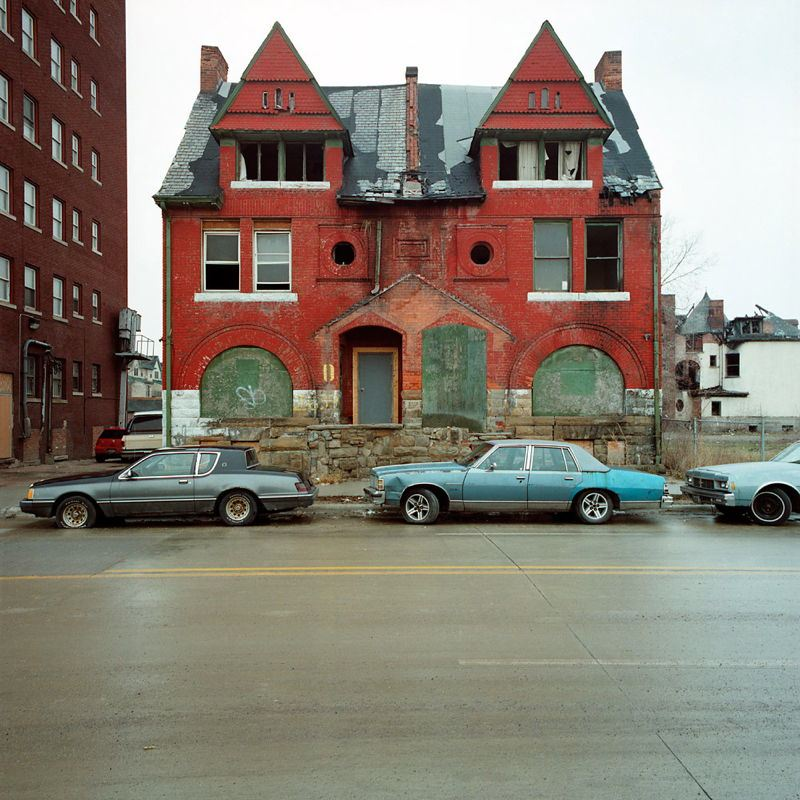 Detroit Home Next To Building