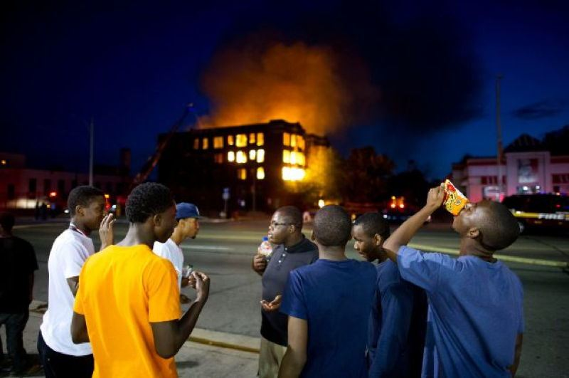 Detroit People Burning Building