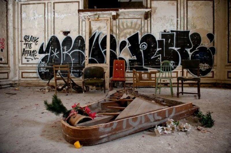 Detroit broken Piano
