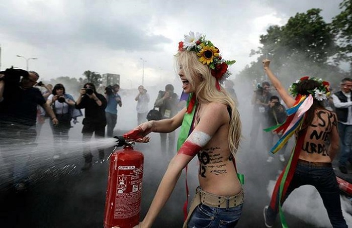 Bizarre Protests Femen