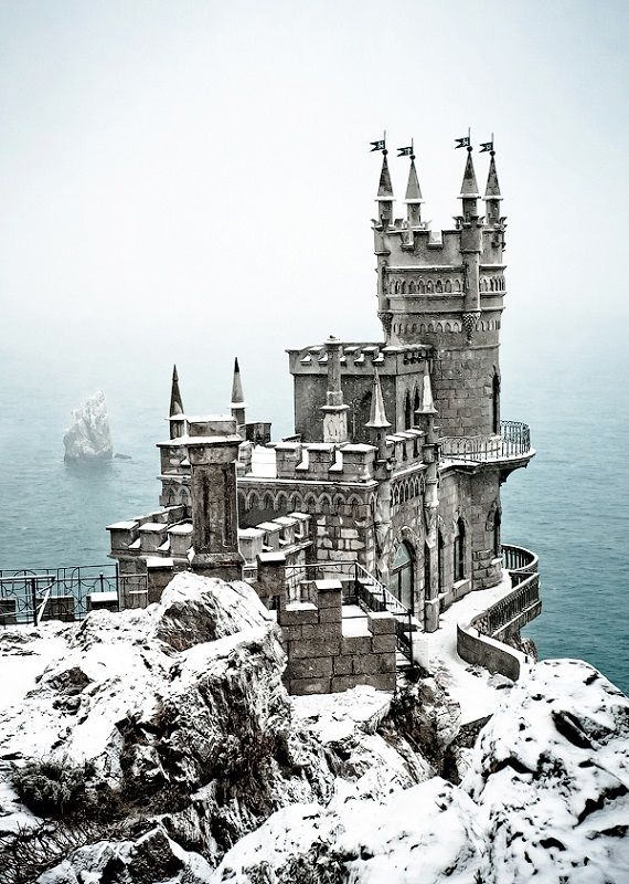 Incredible Castles Swallows Nest Winter