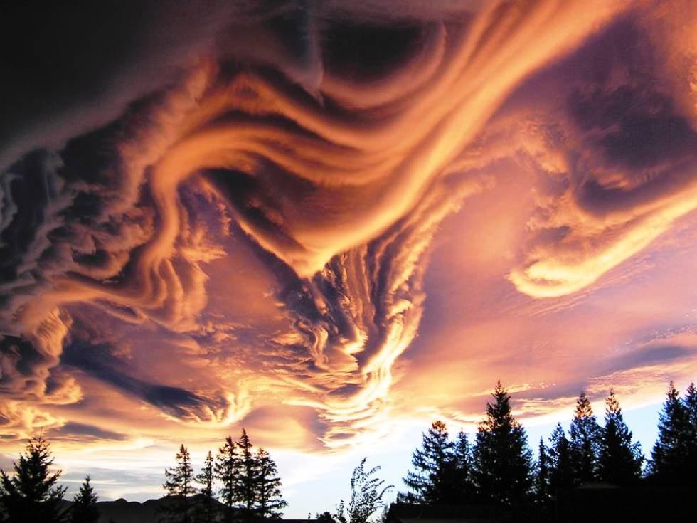 https://allthatsinteresting.com/wordpress/wp-content/uploads/2013/09/interesting-pictures-asperatus-clouds.jpg