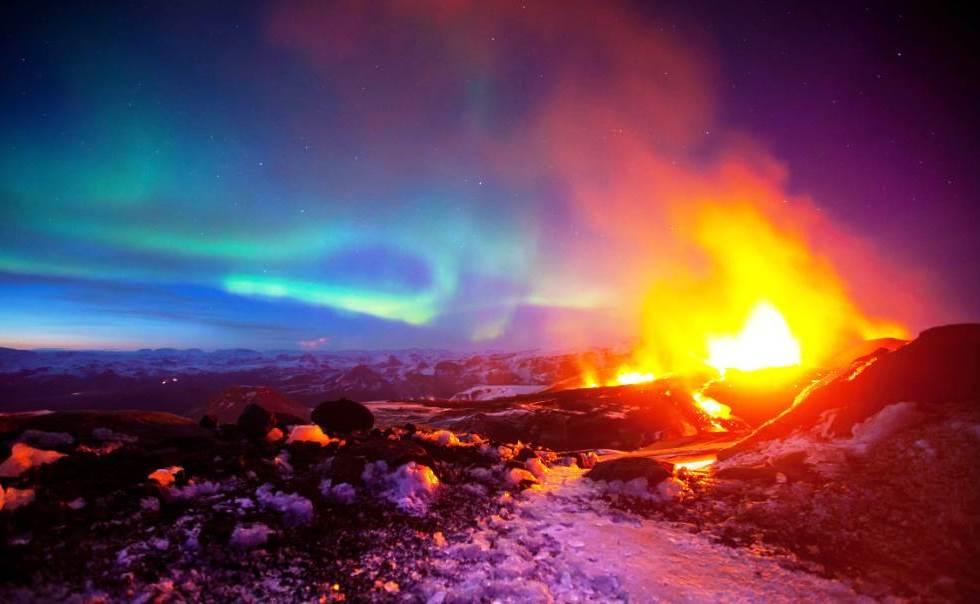 Volcano Aurora