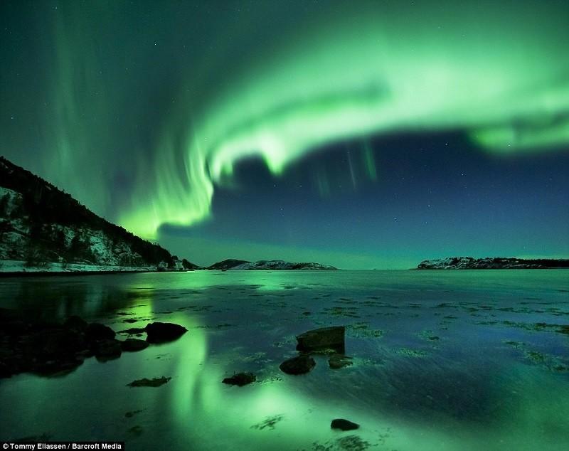 Northern Lights Eerie Green Hue