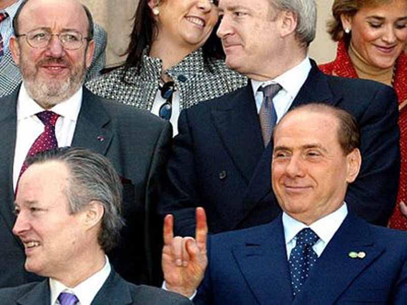 Horns Berlusconi