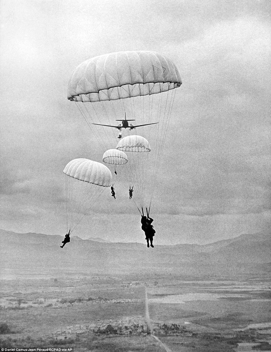 Vietnam Paratroopers
