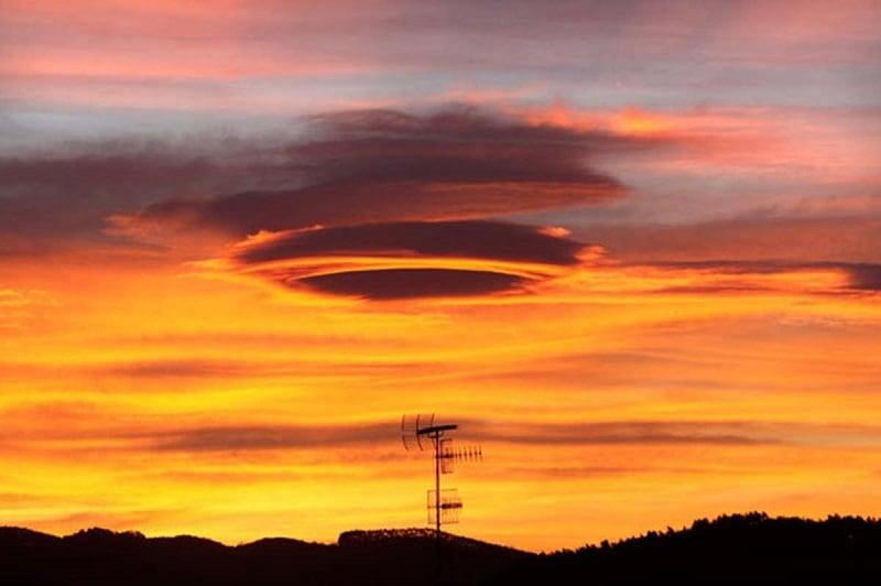 Lenticular Cloud Bilbao