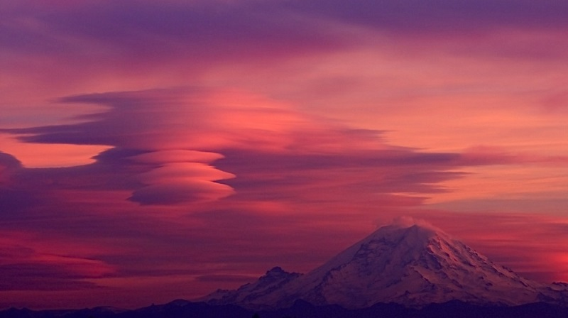 Cloud Formations Lenticular Mt. Ranier