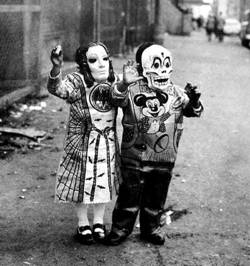 Creepy Halloween Costumes Skeletons