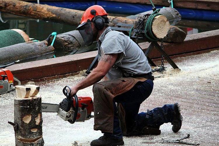 Dangerous Jobs Lumberjack
