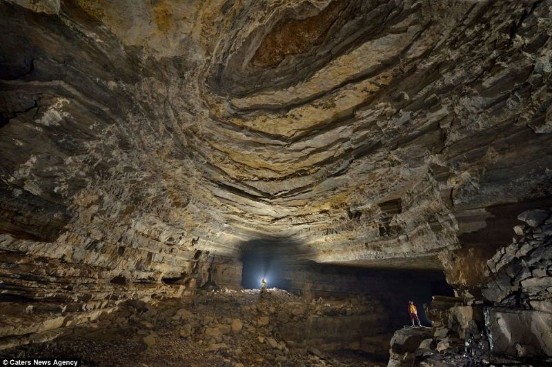 Er Wang Dong Incredible Cave