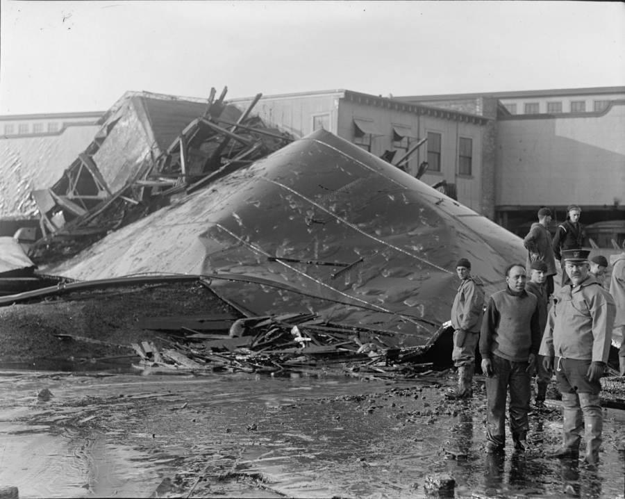 Tank explosion from Boston Molasses Disaster