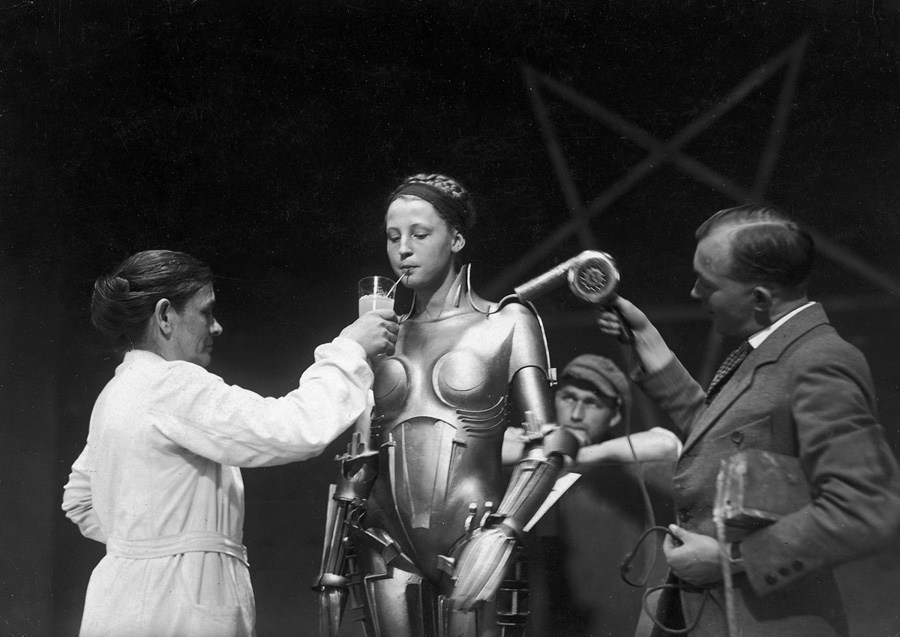 Behind The Scenes Metropolis