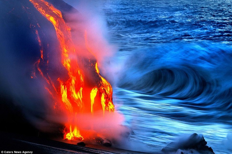 Volcano Hawaii Waves
